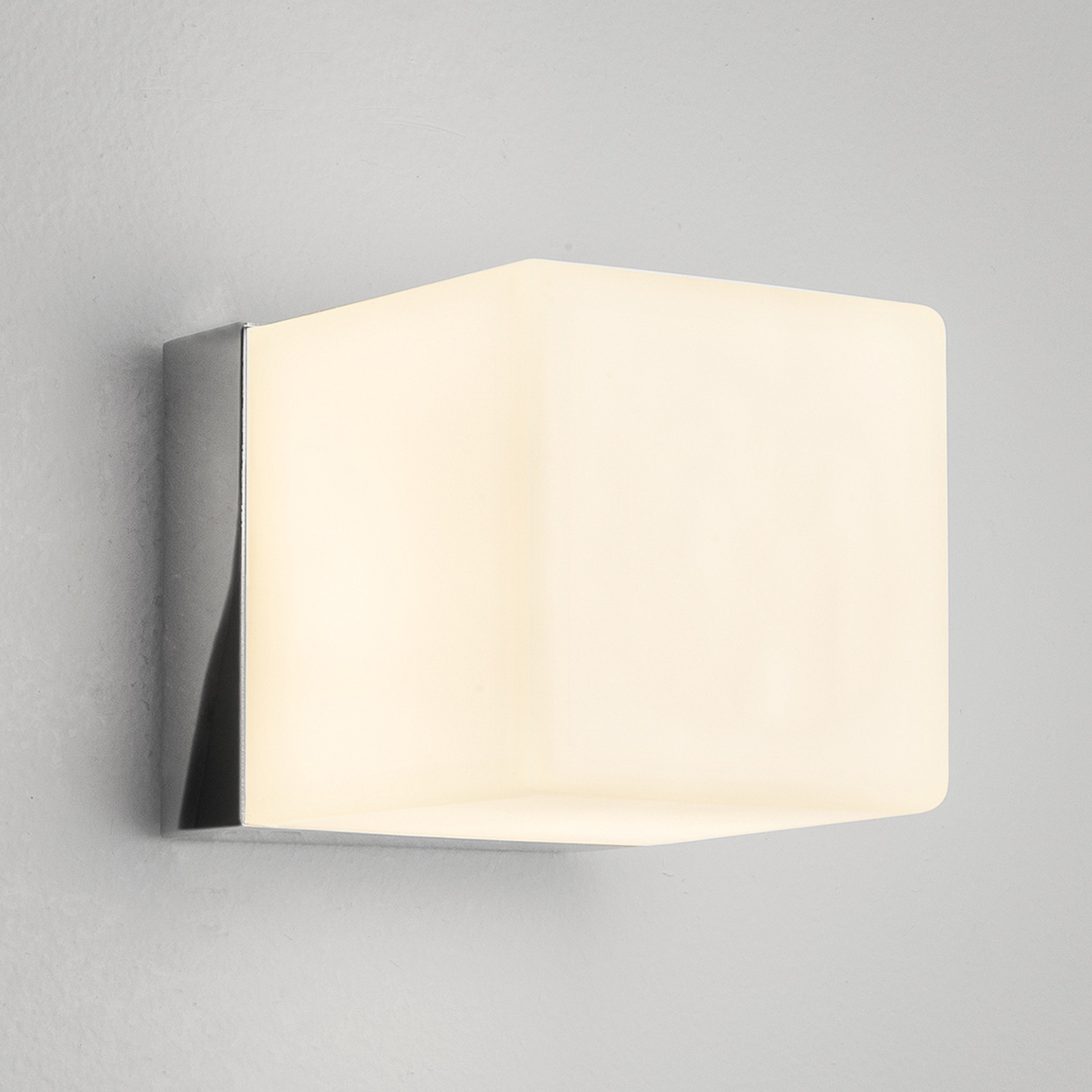 Decente wandlamp CUBE