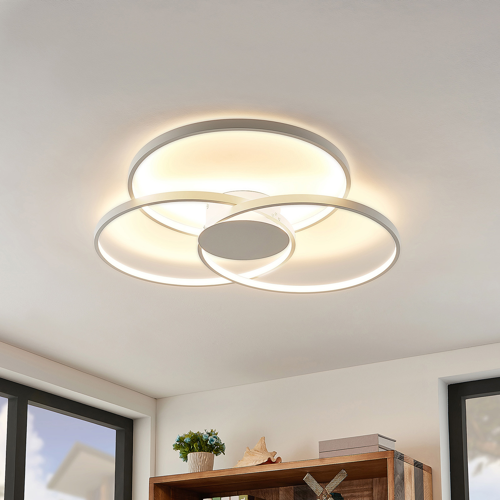 Lindby Riley plafonnier LED, dimmable, blanc