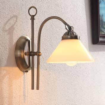 Atrakcyjna lampa ścienna Otis w antycznym stylu