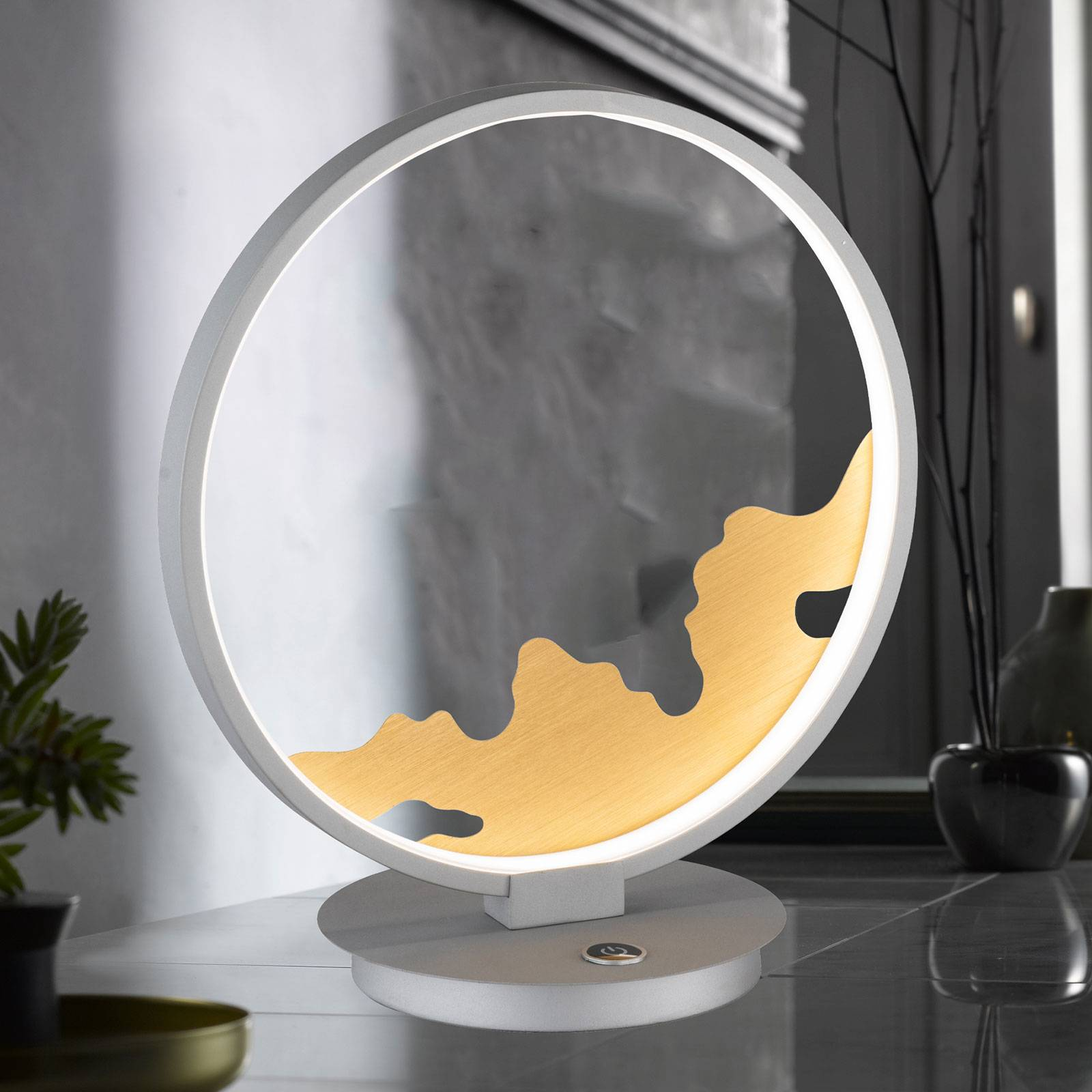 LED tafellamp Modesto met gouden decoratie