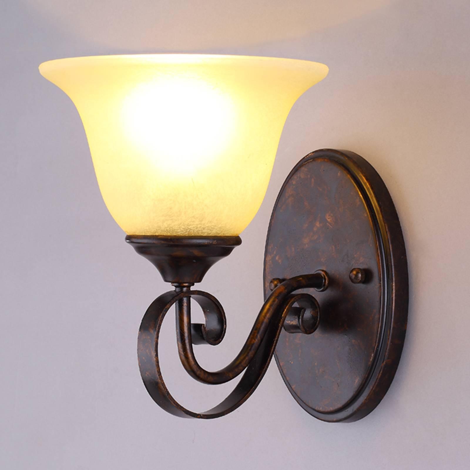 Wandlamp Svera in landelijke stijl
