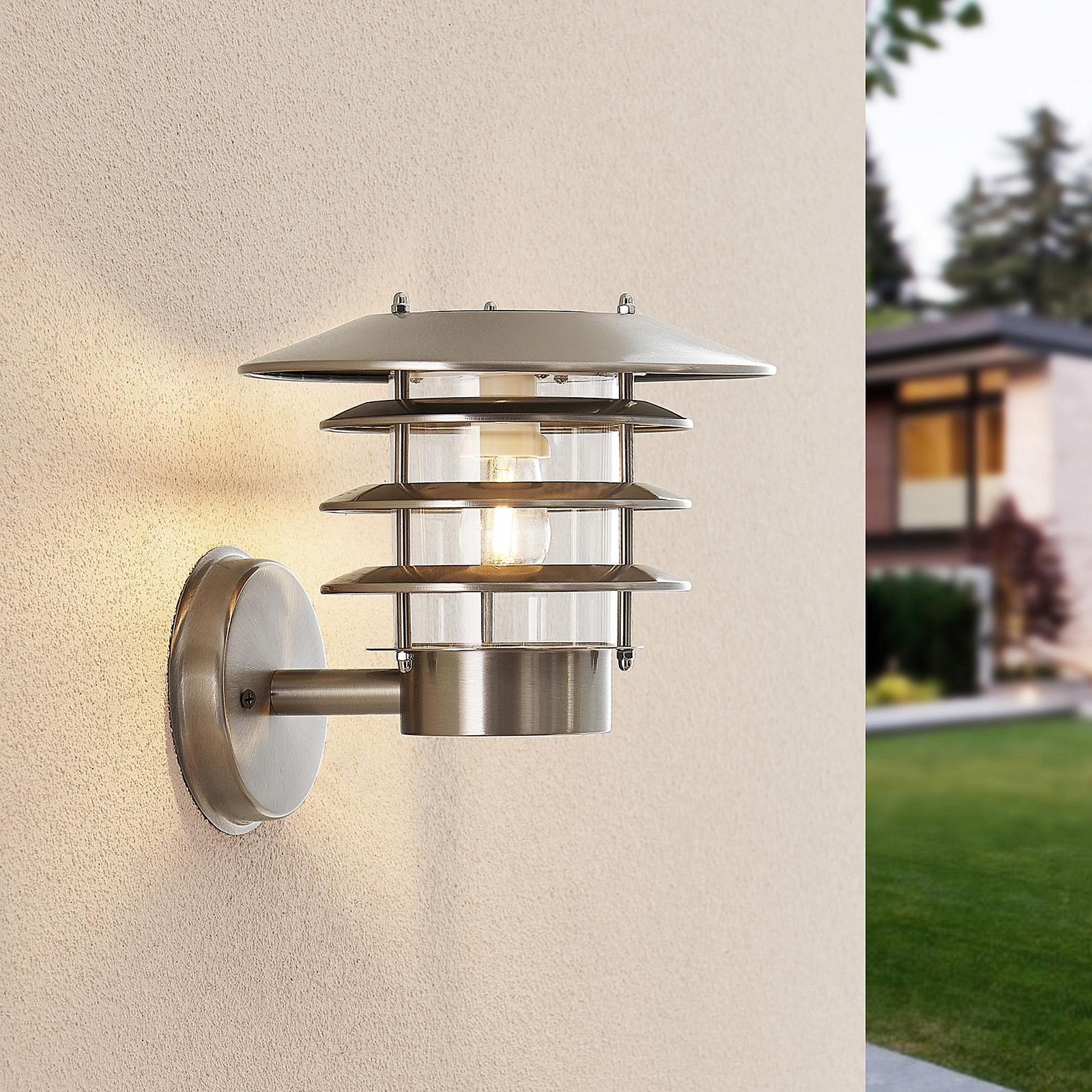 Lindby Dimara solcellsdriven LED-utomhusvägglampa