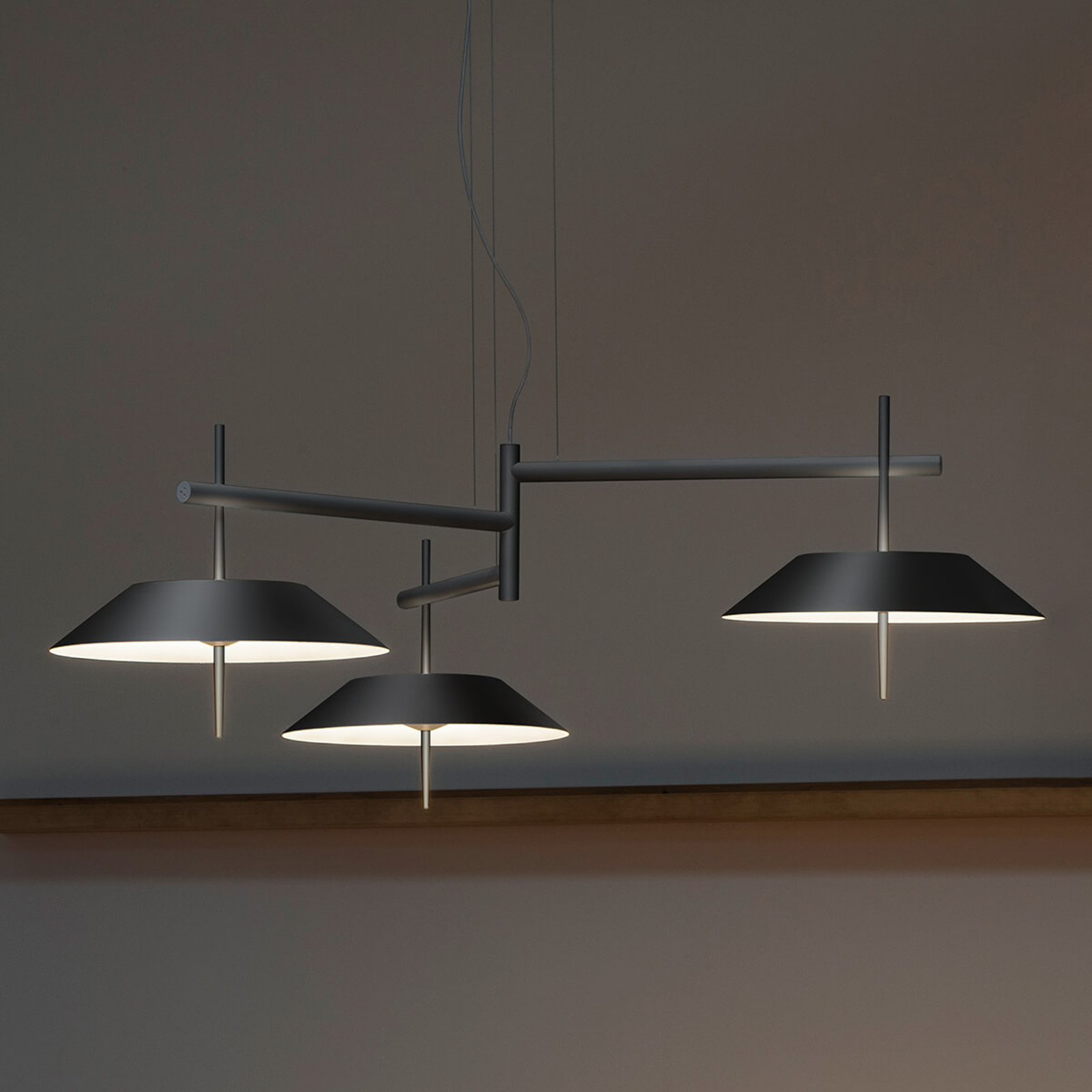 Vibia Mayfair - LED-Pendellampe, 3-fl., graphit