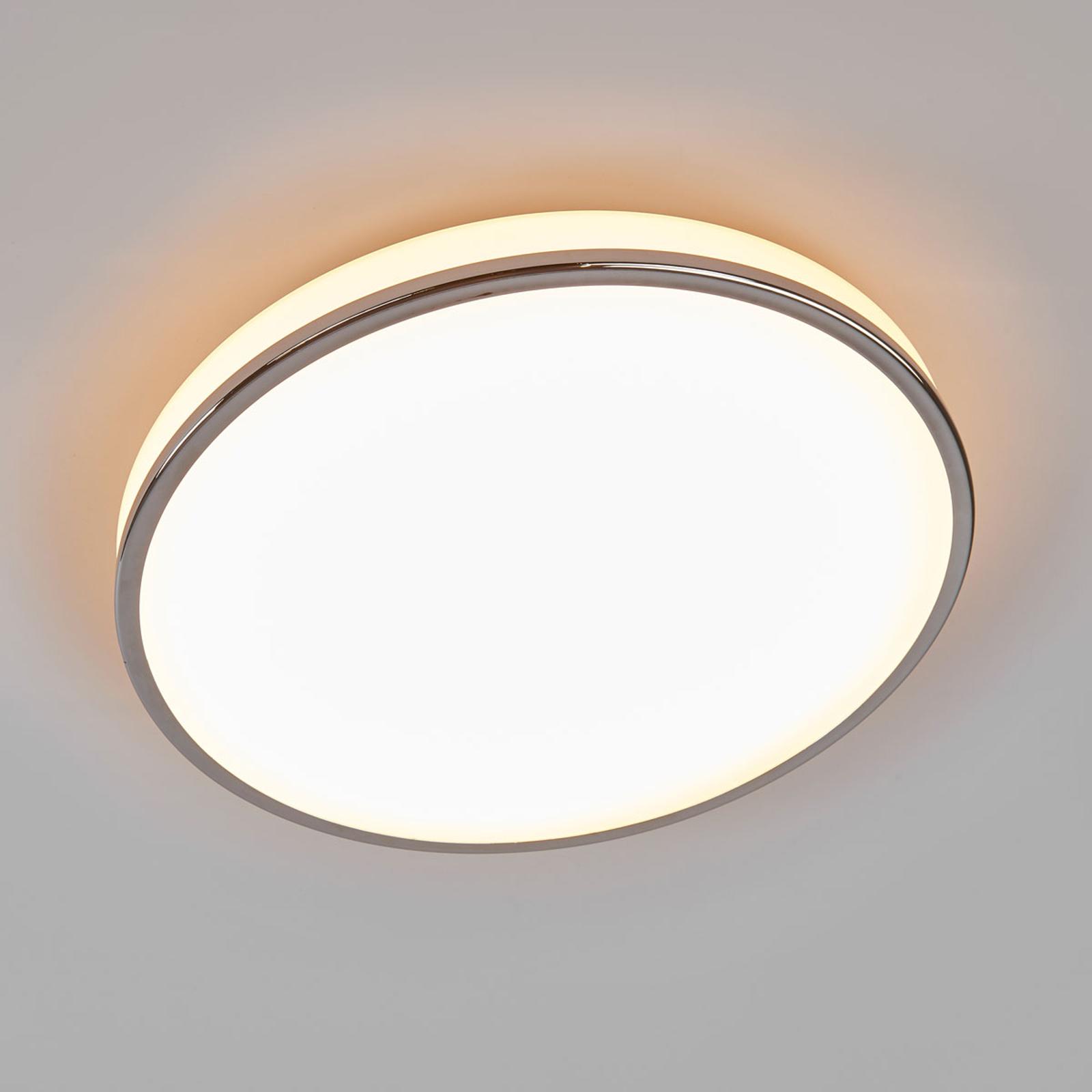 Koupelnové svítidlo Lyss, LED a dobrá svítivost