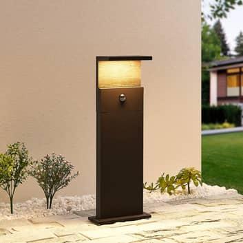 Lucande Lignus LED-sockellampa, rörelsesensor