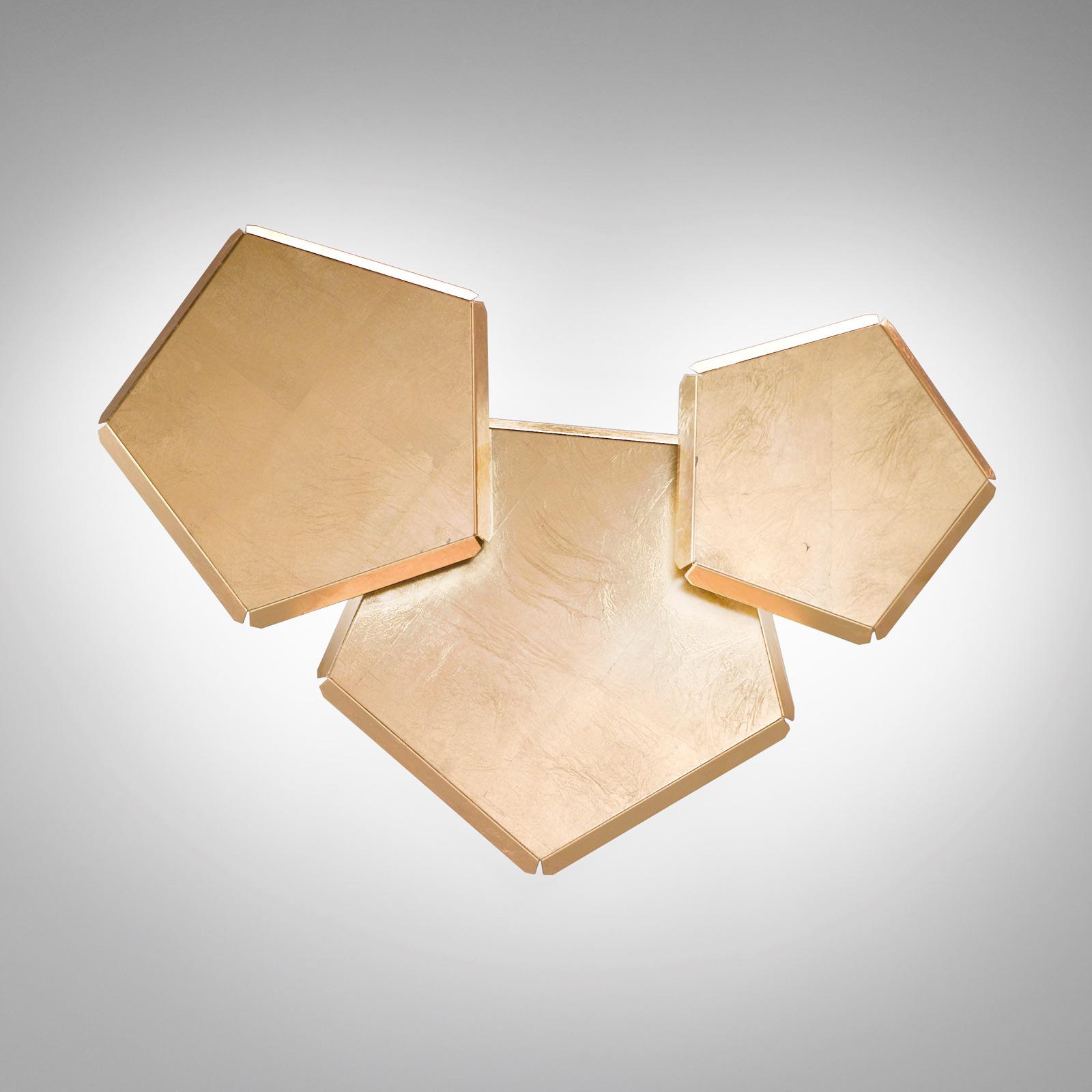 LED-Wandleuchte Pleiadi mit Blattgold, dreiflammig