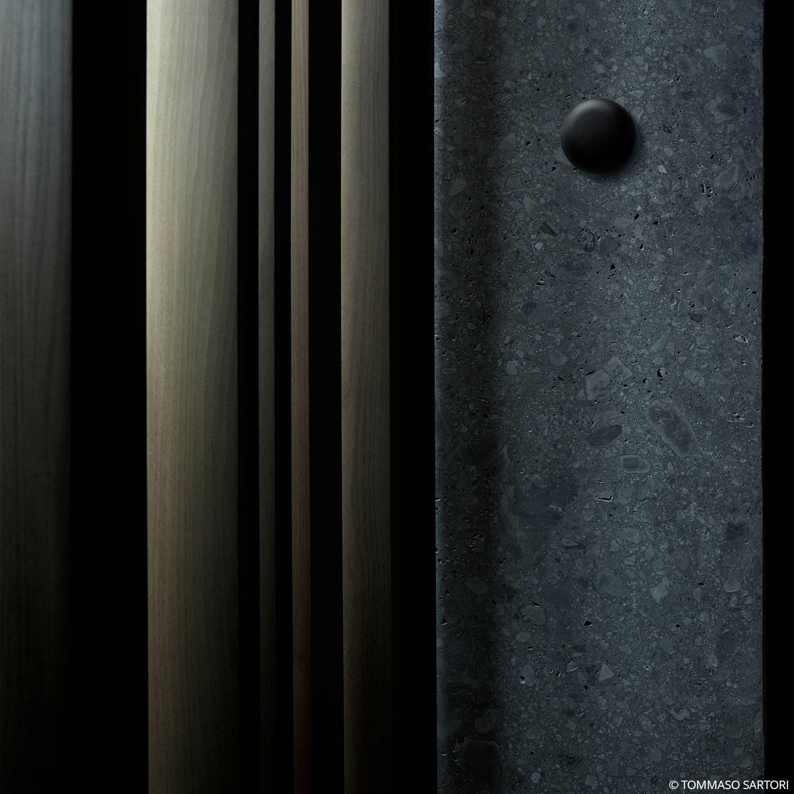 FLOS Bellhop applique da esterni, 2.700 K, nero