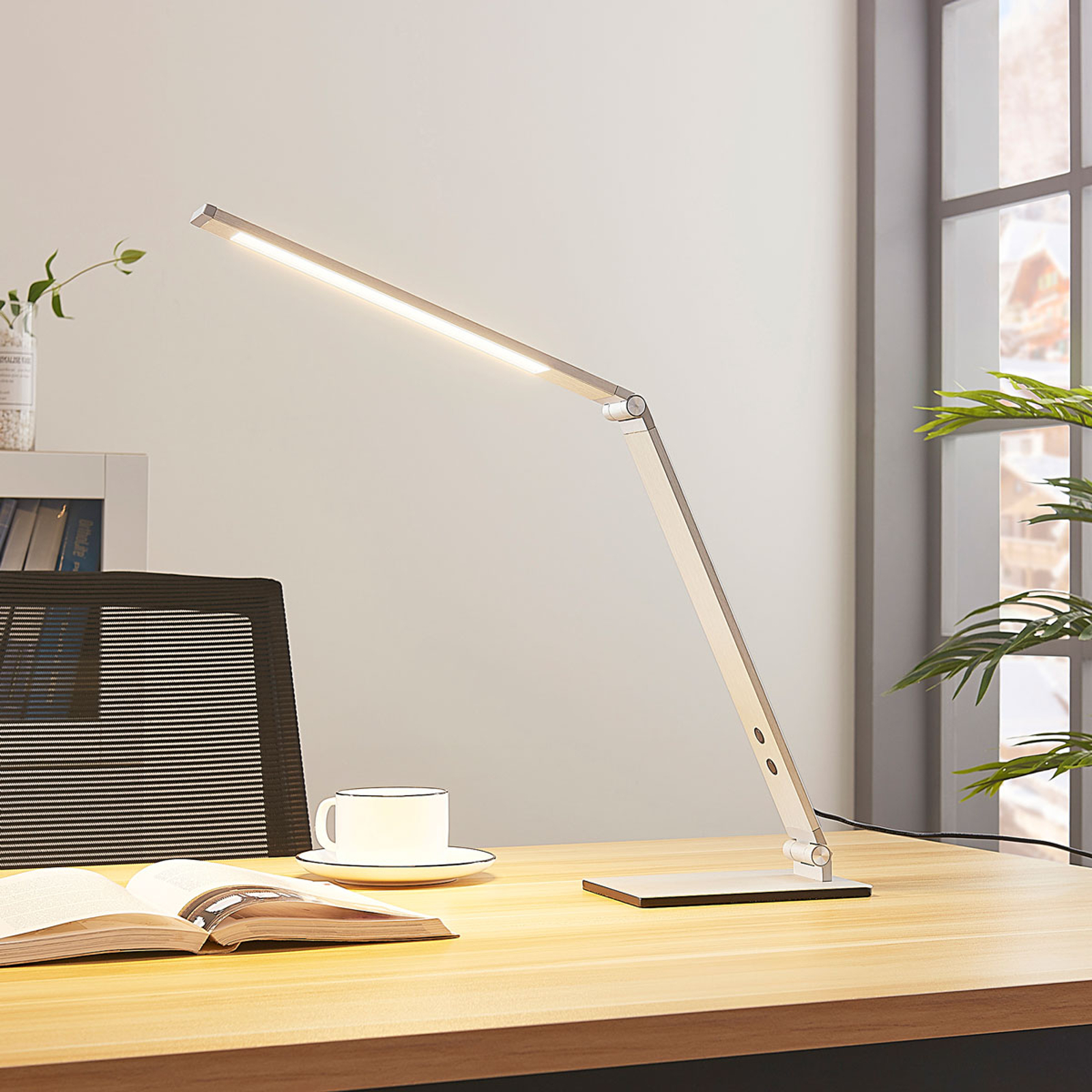 Alu-LED-Schreibtischlampe Nicano mit Dimmer