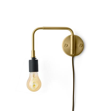 Menu Staple wandlamp met stekker, van messing