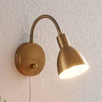 Amrei - bevægelig væglampe i gammel messing