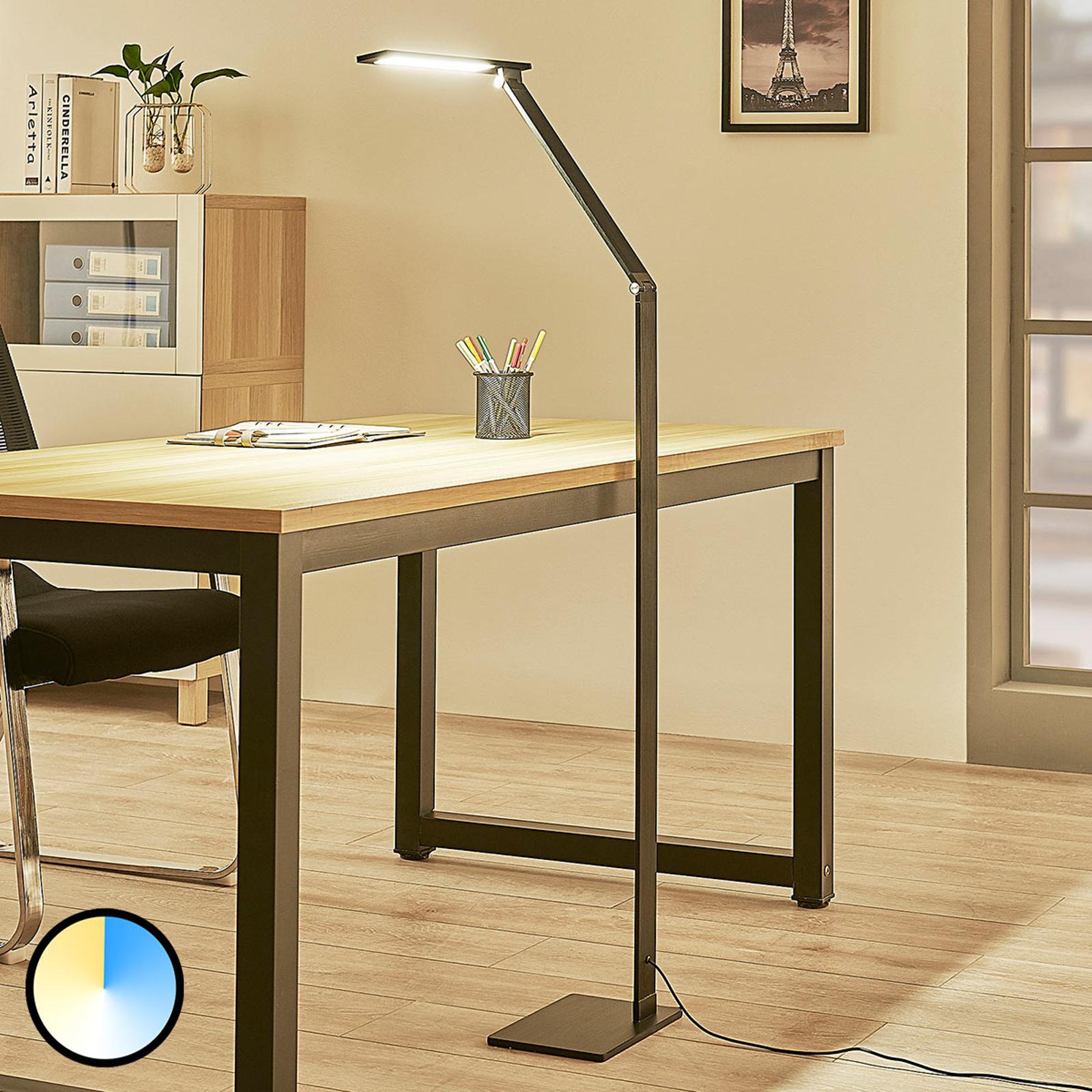 Dimbar LED-gulvlampe Salome, variabel lysfarge