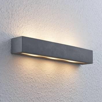 Lindby Nellie LED-Beton-Wandlampe, Breite 50,8 cm