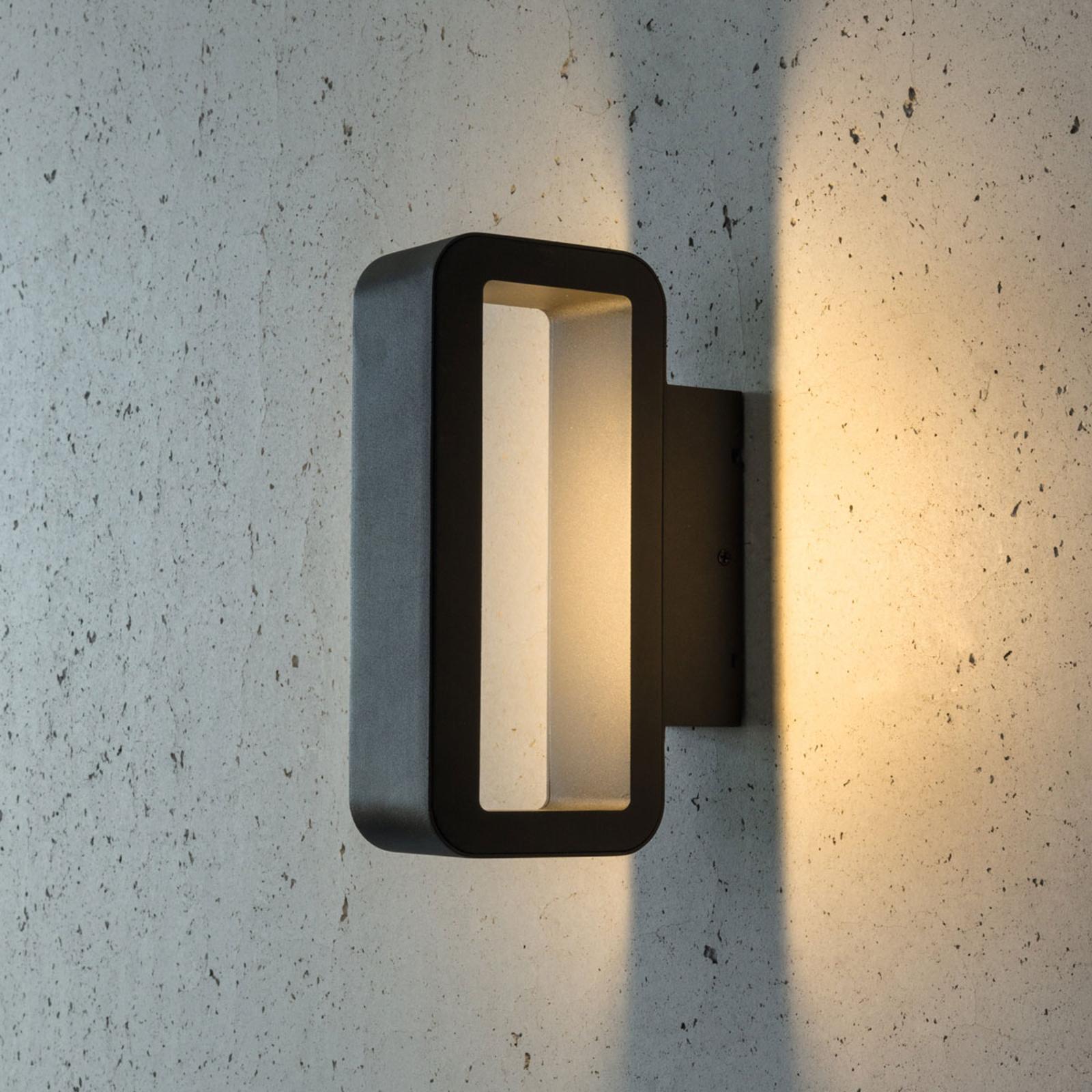 Rechtlijning vormgegeven LED buitenwandlamp Juno
