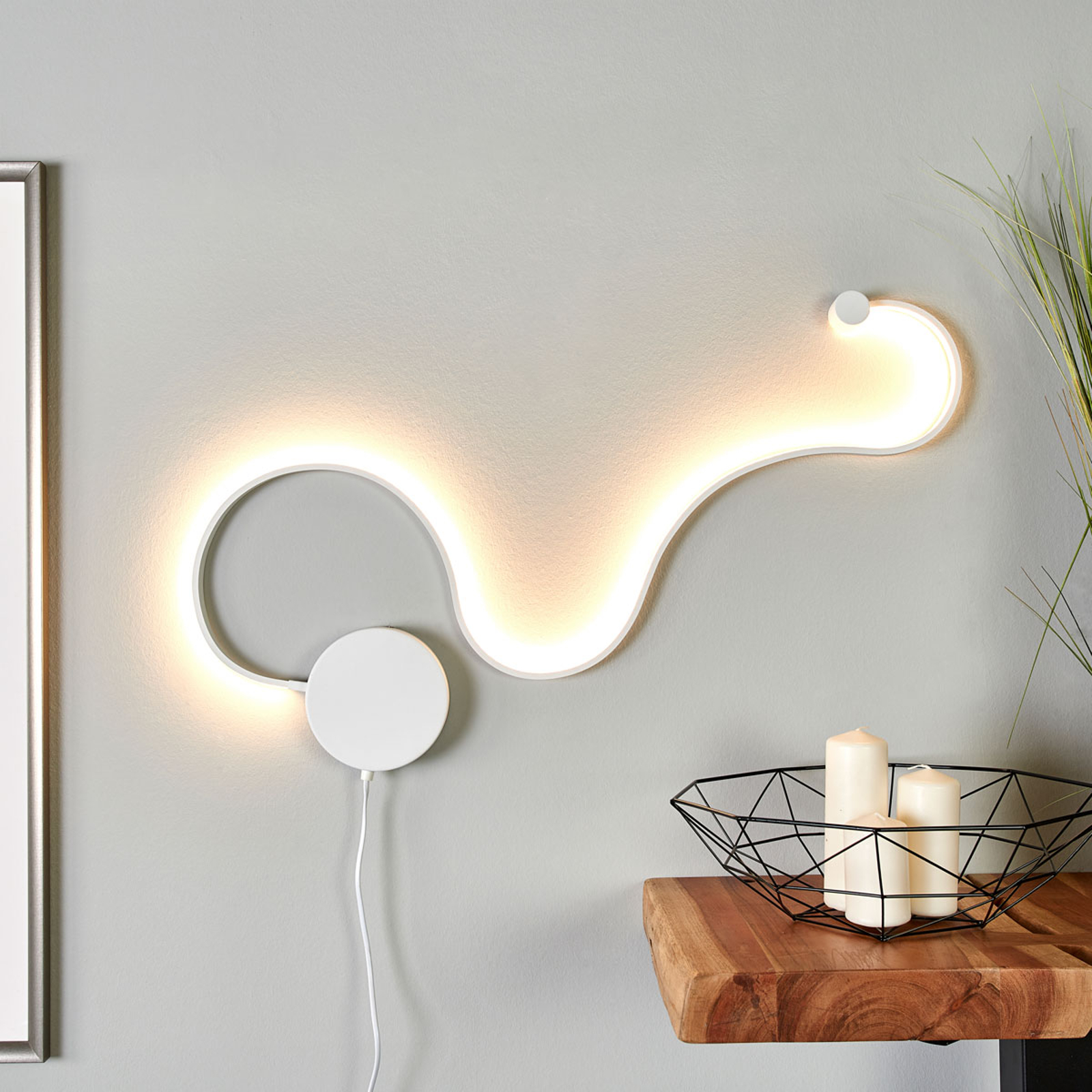 Extravaganta LED-vägglampan Sandor