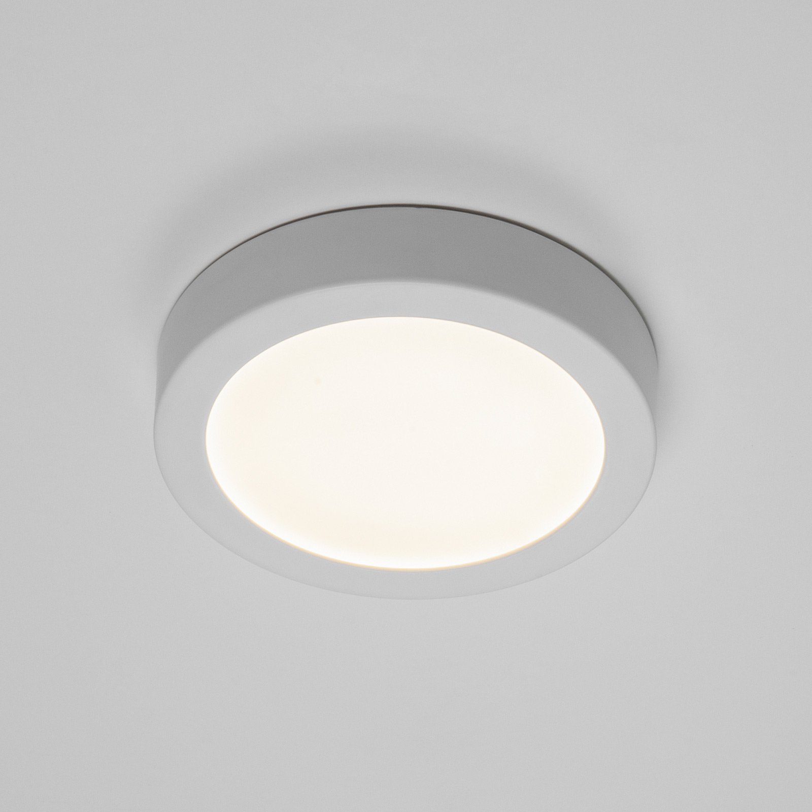 BRUMBERG Flat37 LED-Deckenpanel, rund, Ø 18 cm