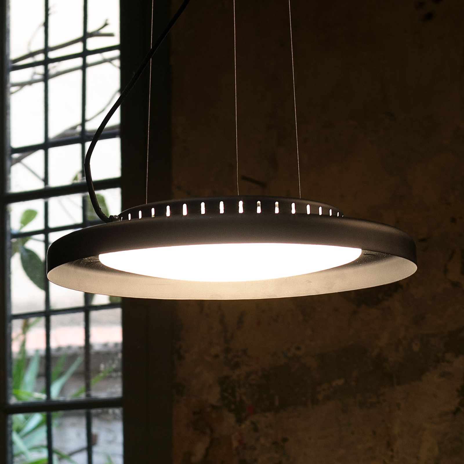 LED hanglamp Dolme in wit