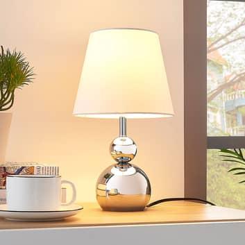 Hvid bordlampe Andor i stof med kromfod