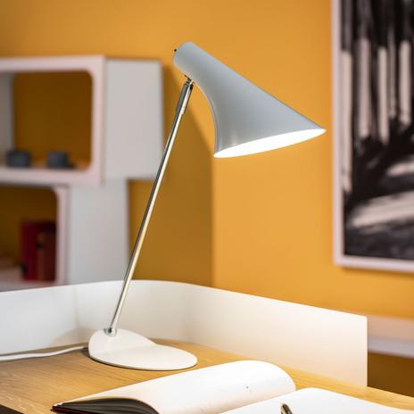 Modna lampa stołowa Liam biała