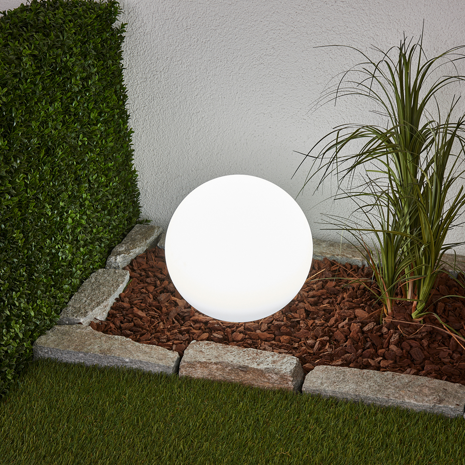 Dekorative LED-Solarlampe Lago in Kugelform