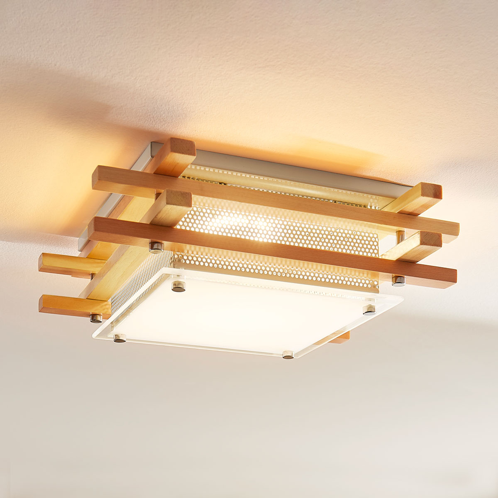 Firkantet LED-taklampe Zuna i tre, dimbar