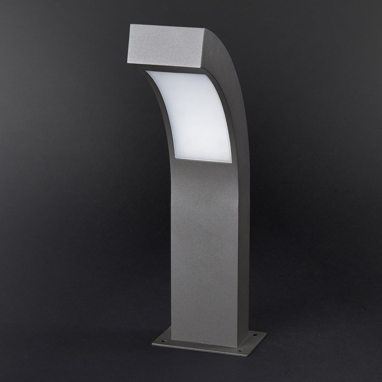 Geneigte LED-Sockelleuchte Lennik, 40 cm