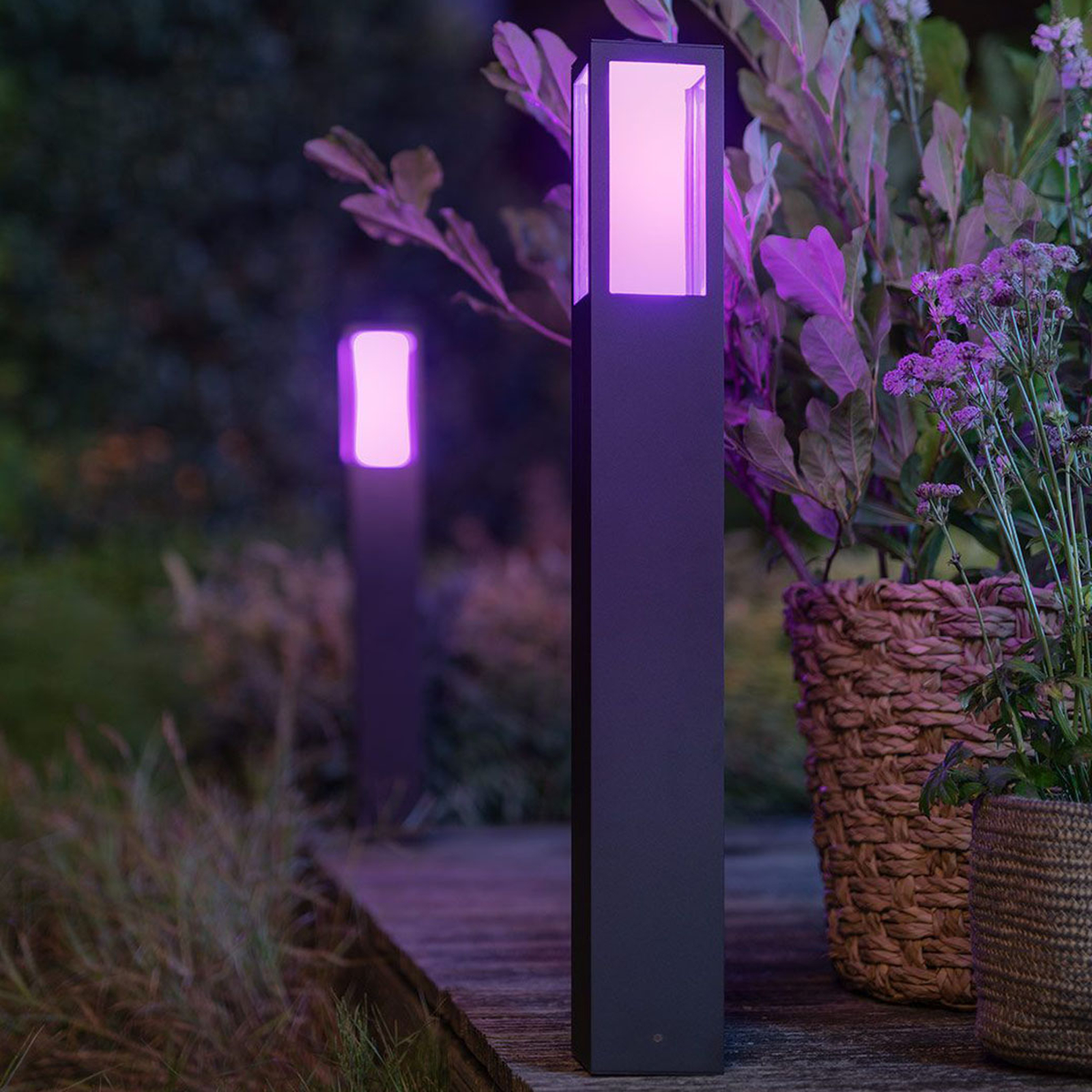 Philips Hue White+Color Impress LED-Wegeleuchte