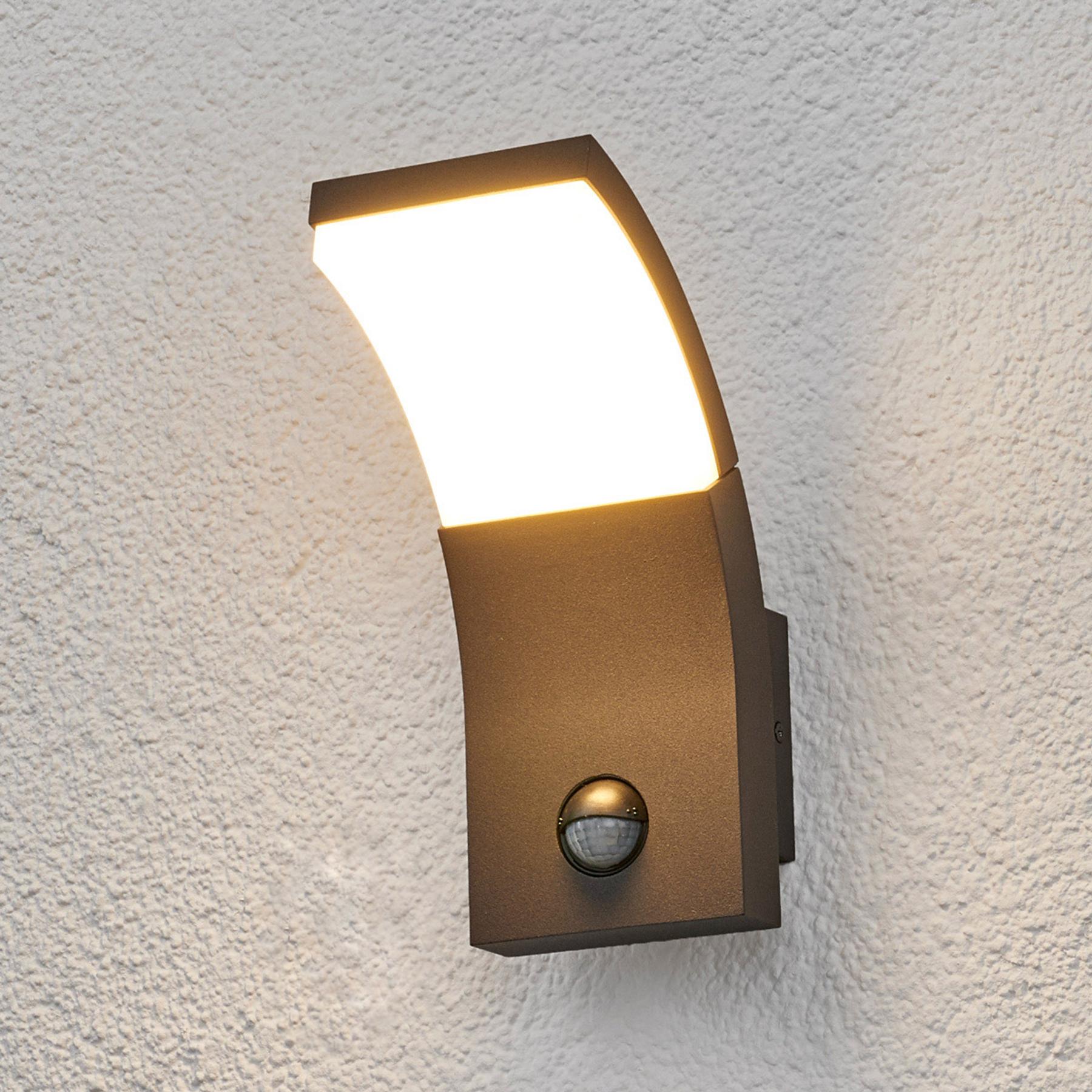 Zewnętrzna lampa ścienna LED TIMM z czujn. ruchu