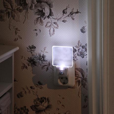 Lampka nocna LED 357-11 dla gniazda wtykowego
