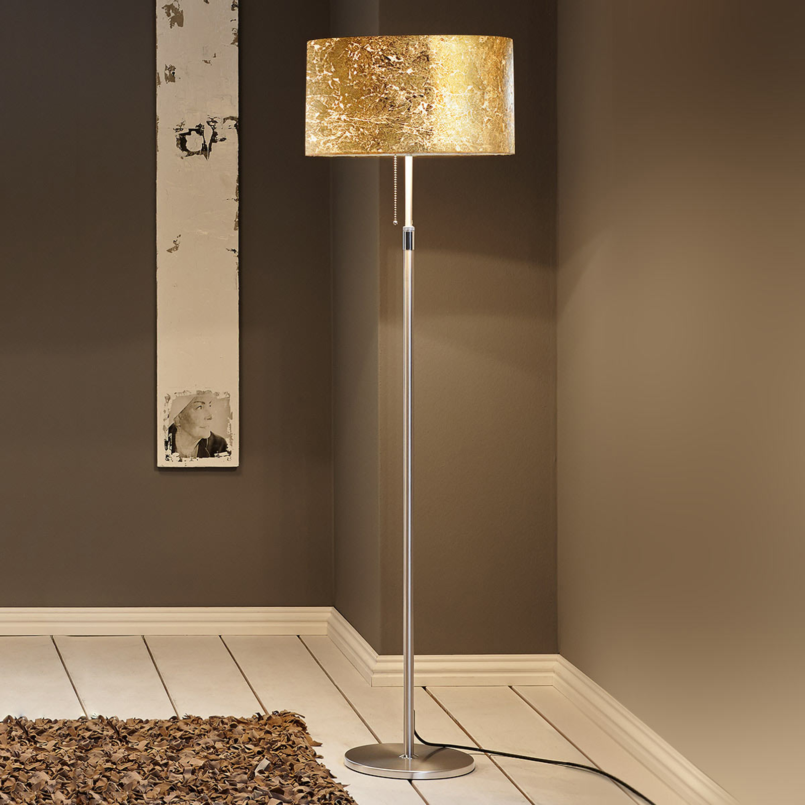 Alea Loop floor lamp with a gold leaf finish_4536188_1