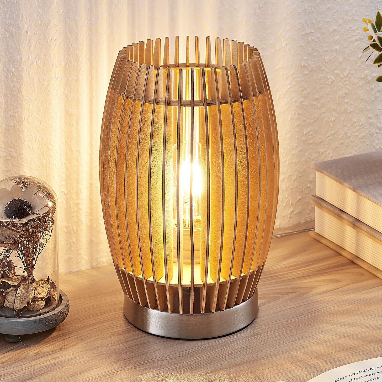 Bordlampe Jemile med skjerm av bjørkepinner