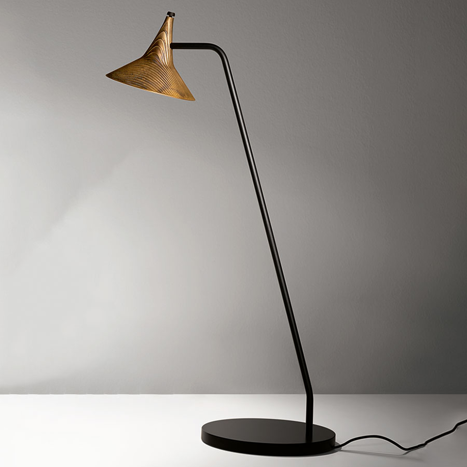 Artemide Unterlinden bordlampe messing 3000K