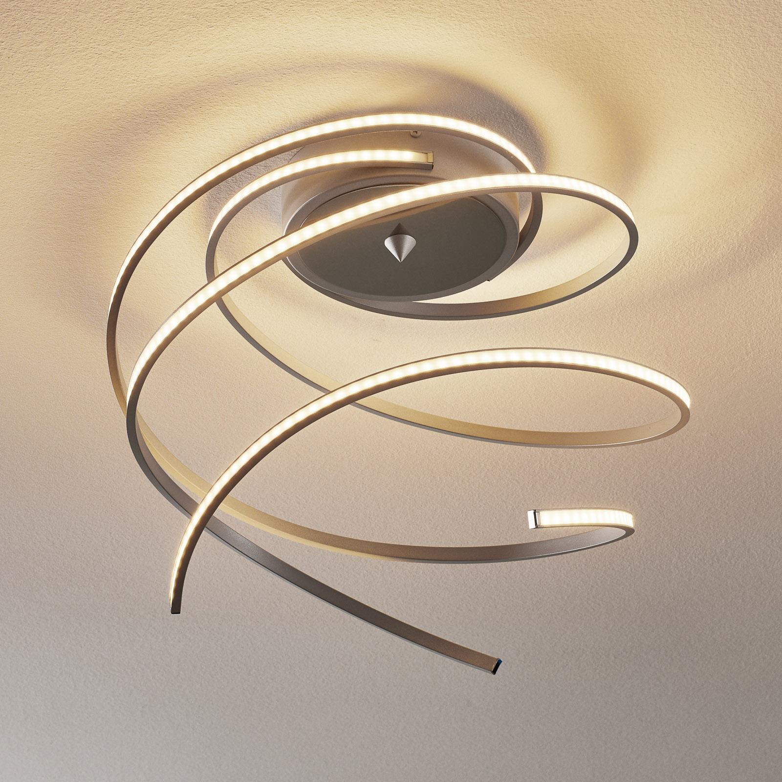 Lungo LED-taklampe 3-armet alu med fjernk.