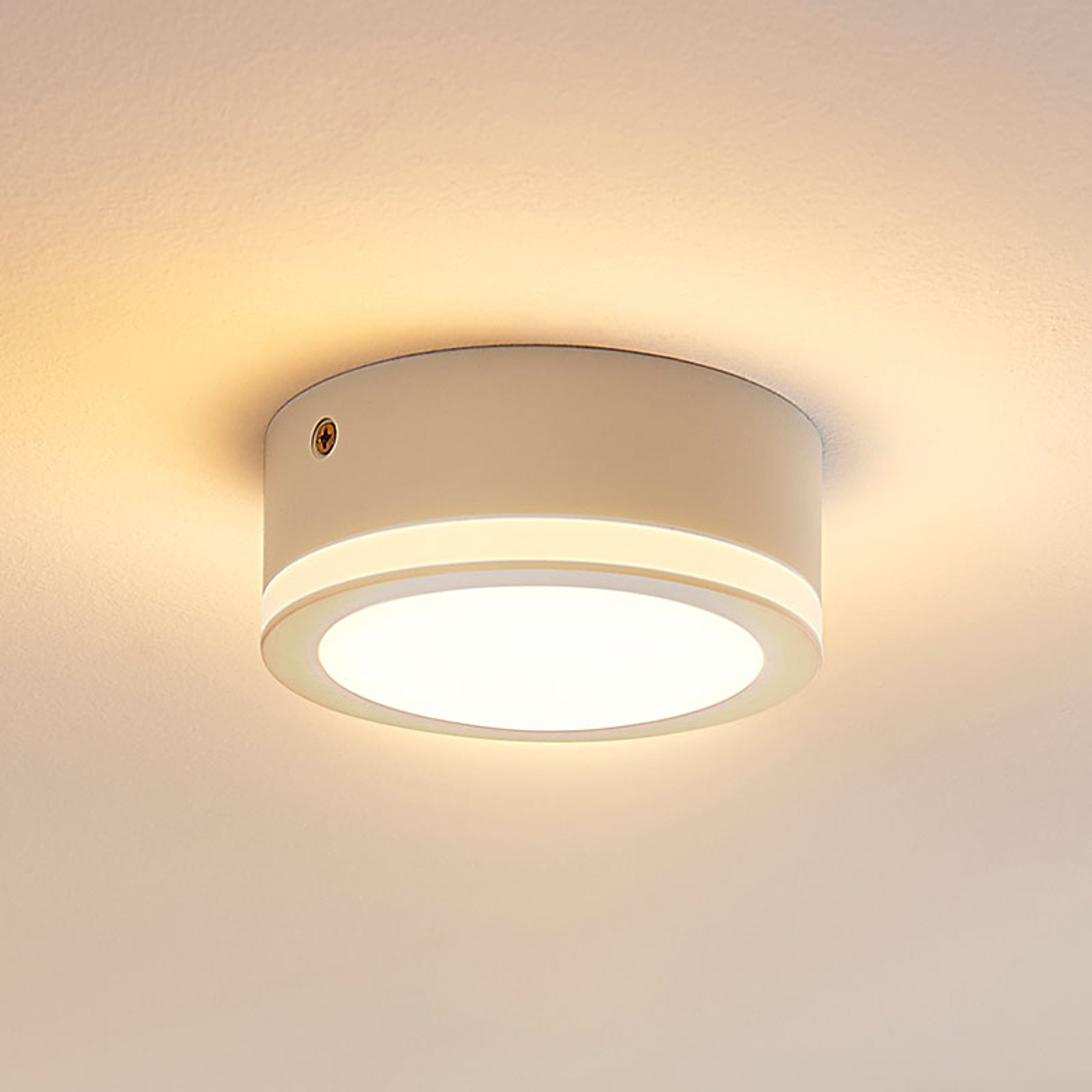 LED stropní svítidlo Quirina v kulatém tvaru