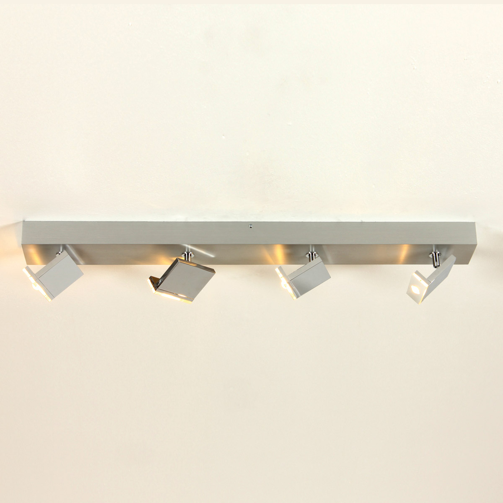 Elle – LED-spotlight med fyra ljuskällor, dimbar