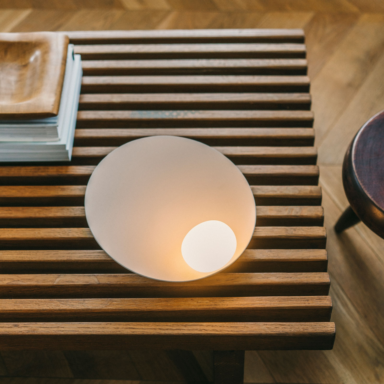 Vibia Musa 7402 LED-Tischleuchte liegend, taupe