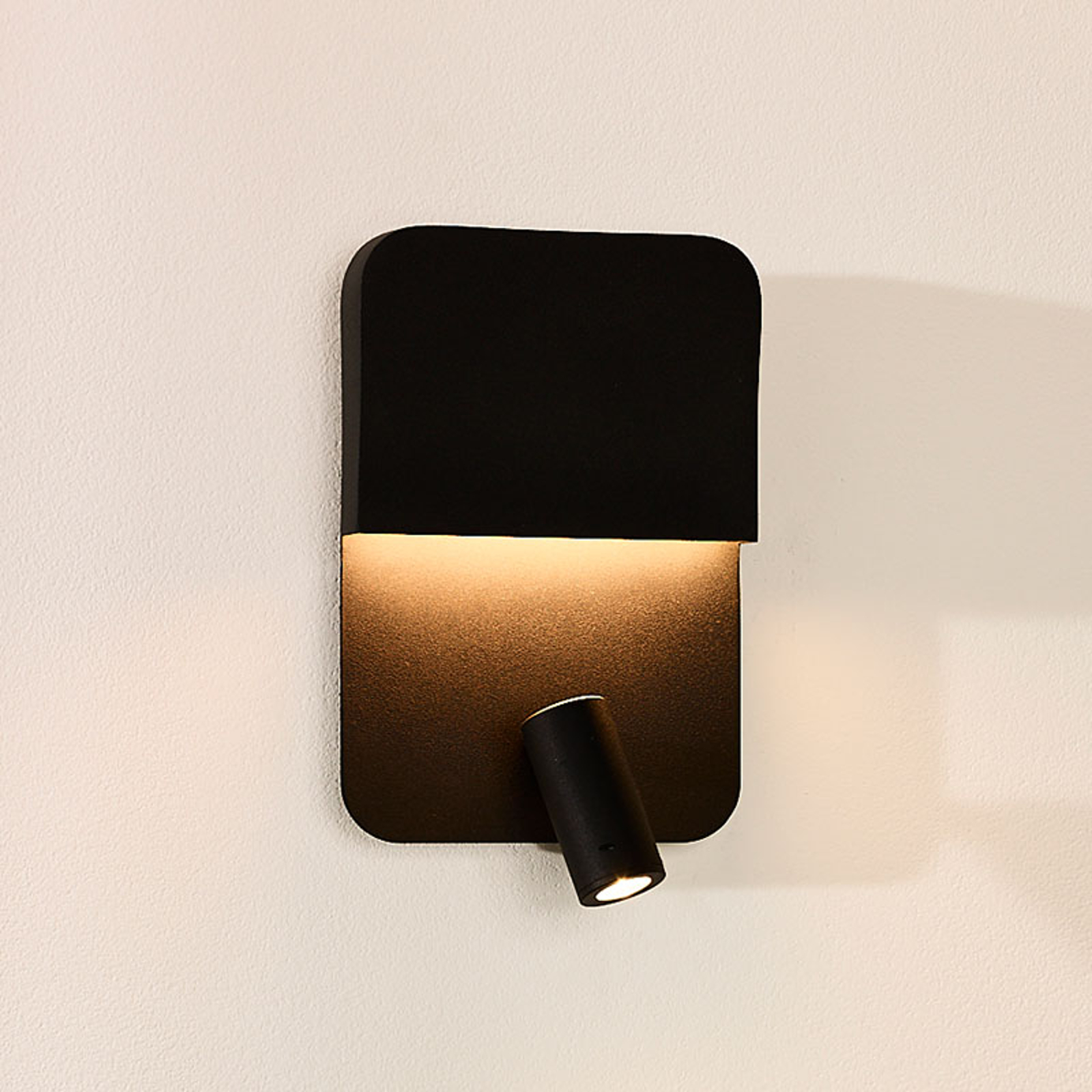 LED wandlamp Boxer met spot, zwart