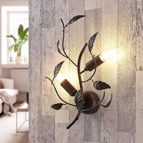 Metalowa lampa ścienna Yos, ozdobiona liśćmi