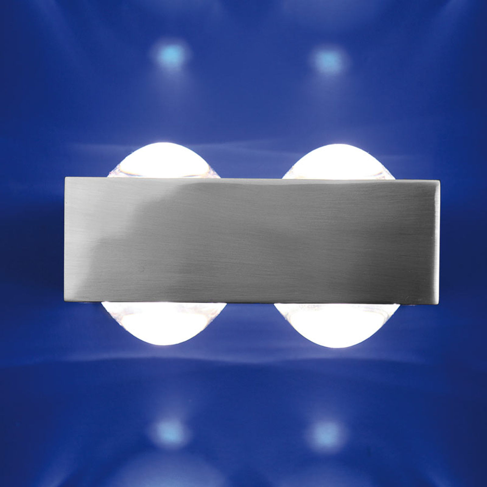 4 lenzen: de wandlamp Focus 150, nikkel