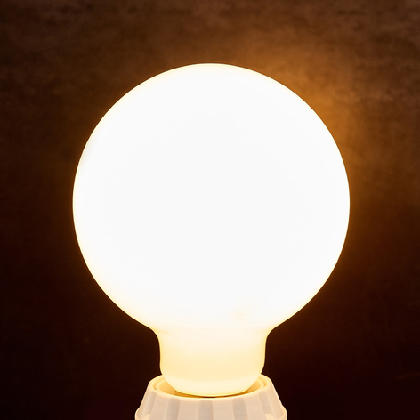 LED-Globelampe E27 8W, 880Lm,  2.700K, opal