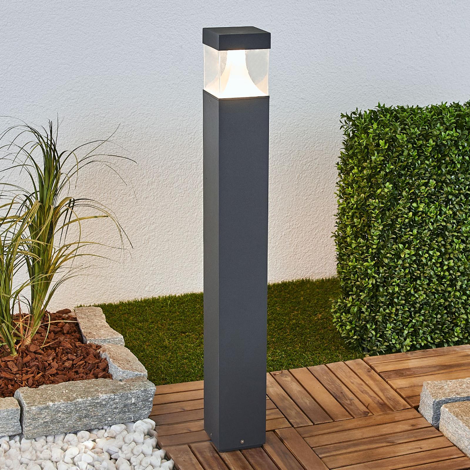 Lampione a LED Egon di forma quadrangolare