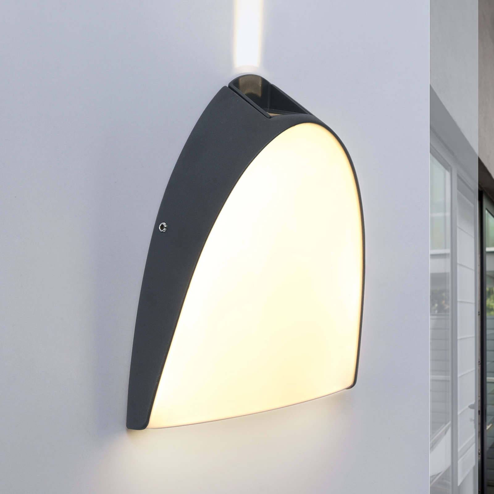Apollo - LED buitenwandlamp met effectlicht boven