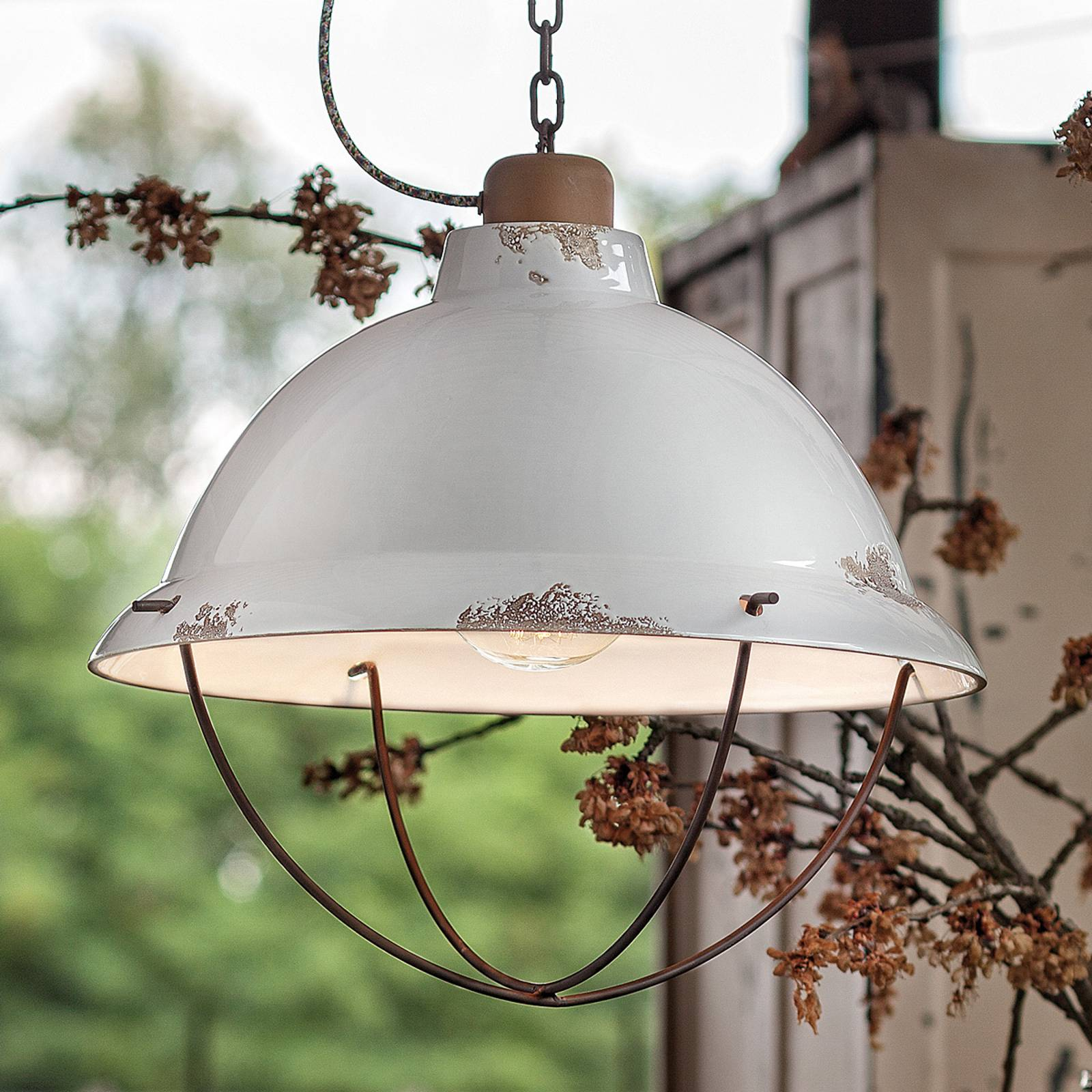 Biała ceramiczna lampa wisząca Luca Shabby Chic