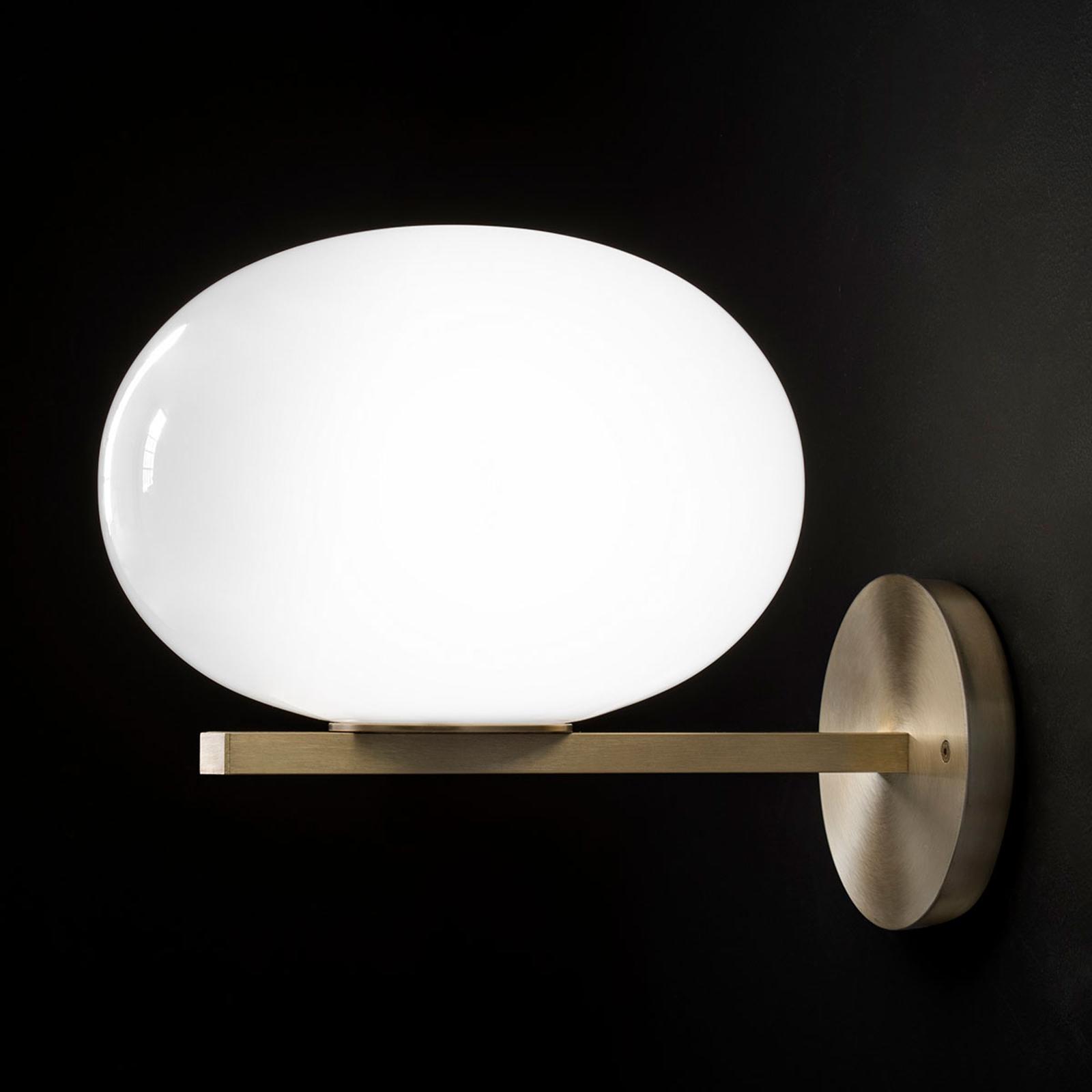 Oluce Alba - wandlamp met opaalglaskap