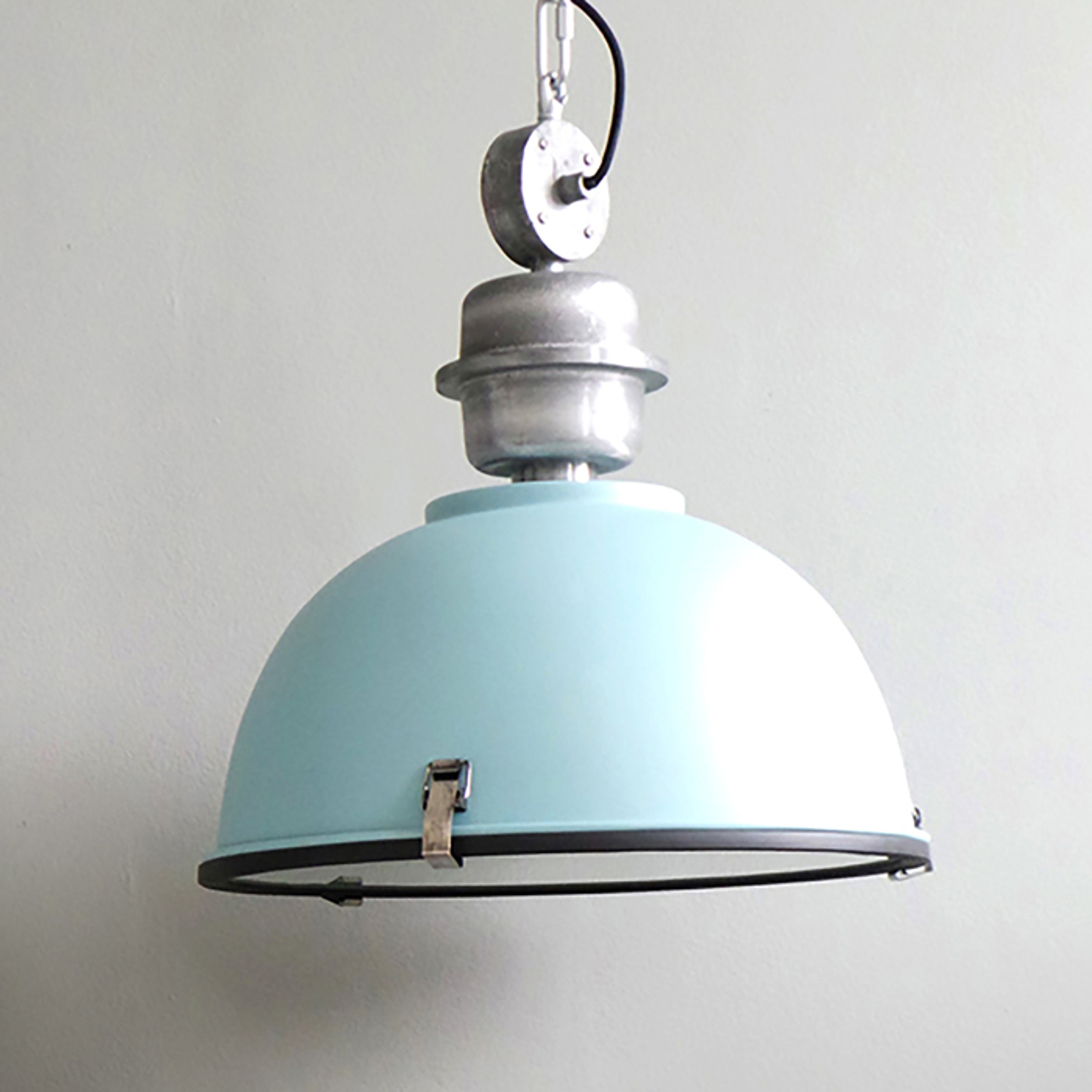Jasnoniebieska industrialna lampa wisząca Bikkel