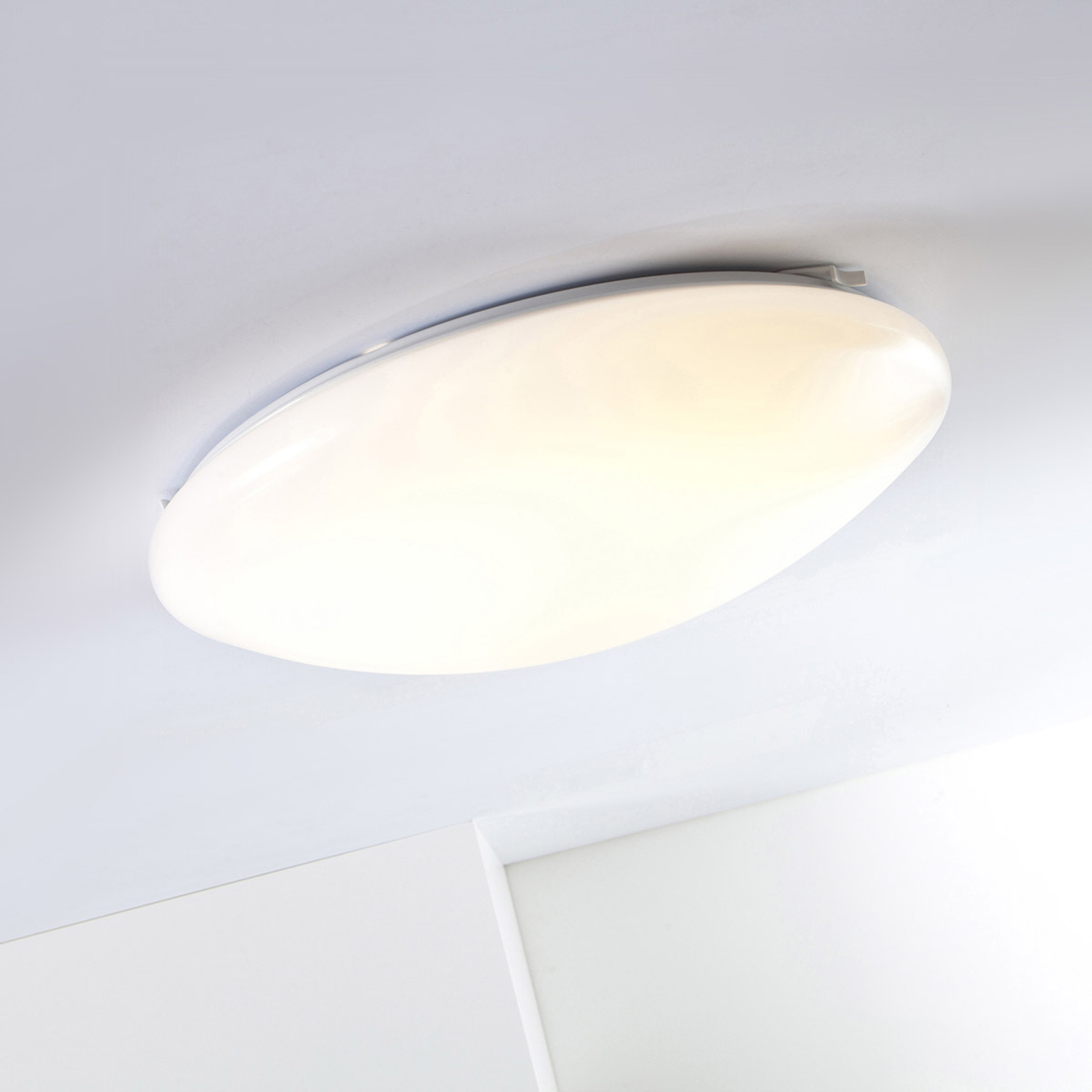 LED Basic rund taklampe fra AEG 14 W
