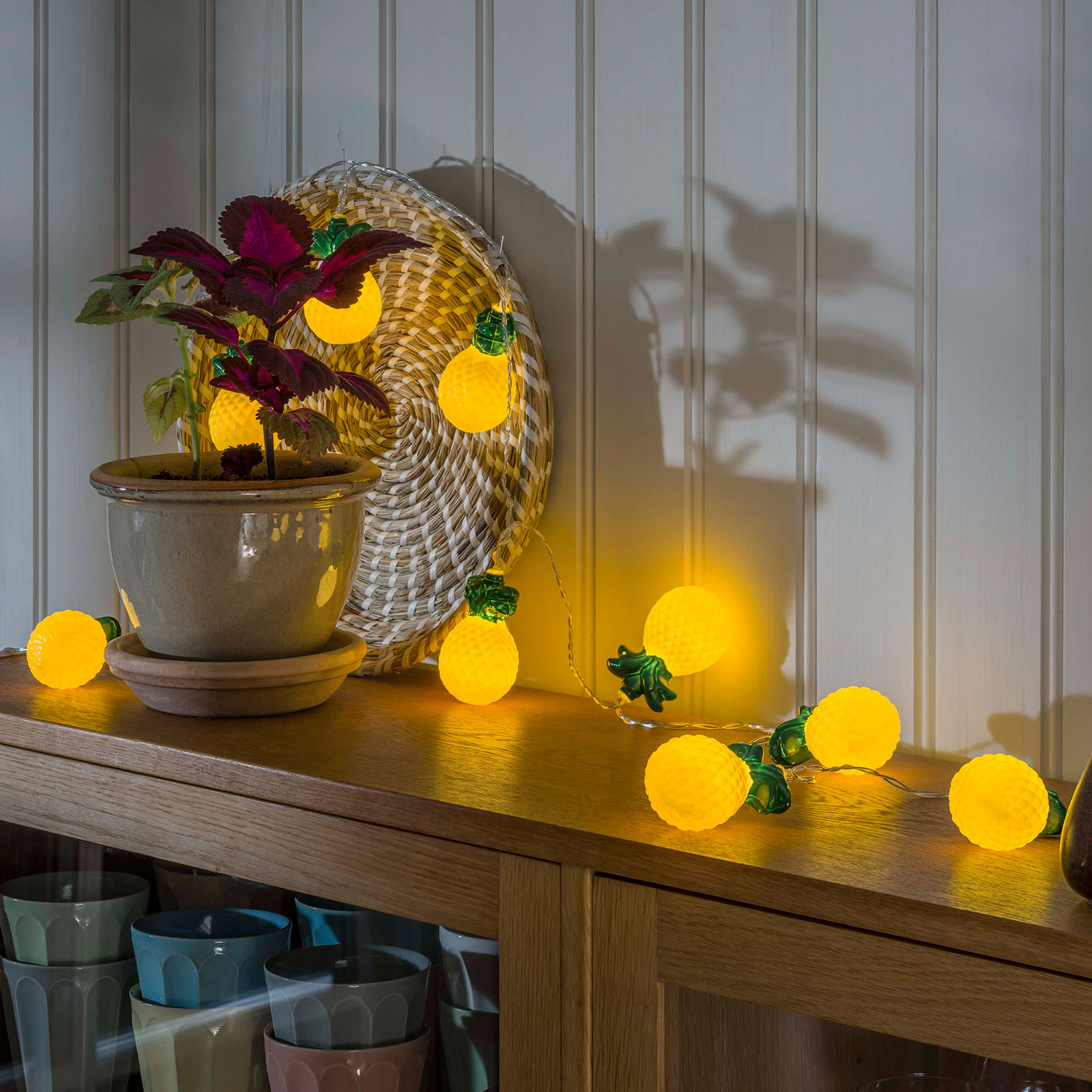 LED-ljusslinga Ananas, batteridriven