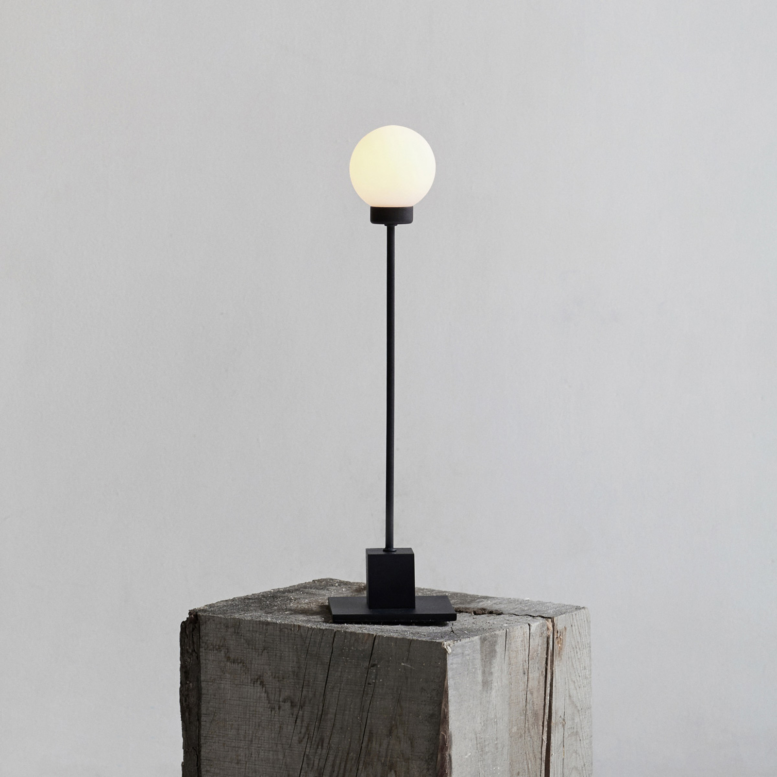 Northern Snowball tafellamp, zwart