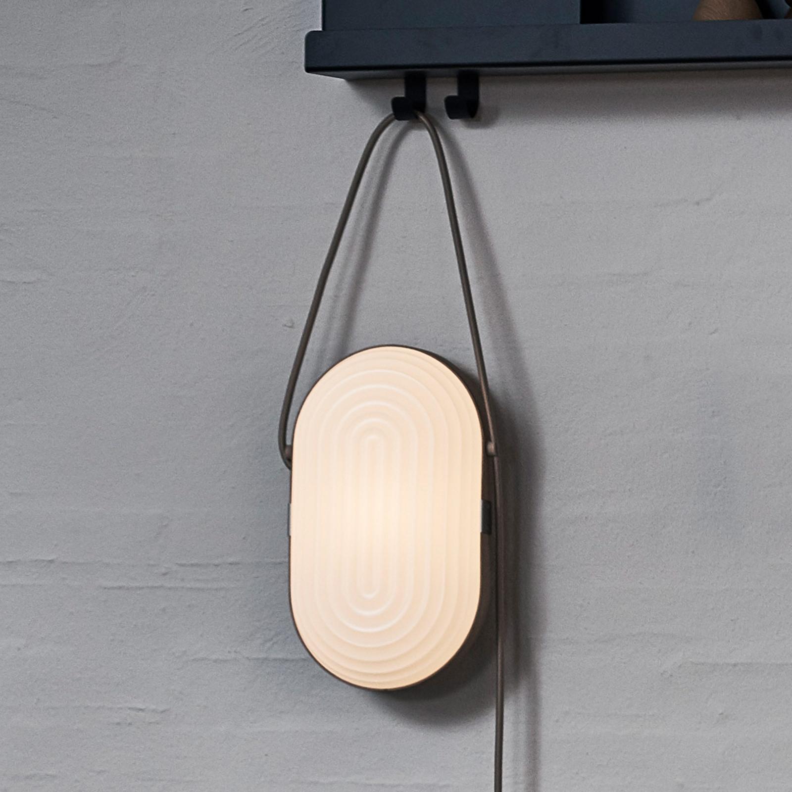 LE KLINT Arc LED wandlamp wit-eiken licht