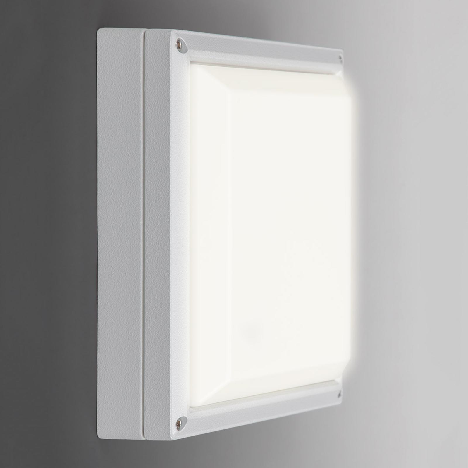 SUN 11 LED-vegglampe i hvitt med 13 W og 4 K
