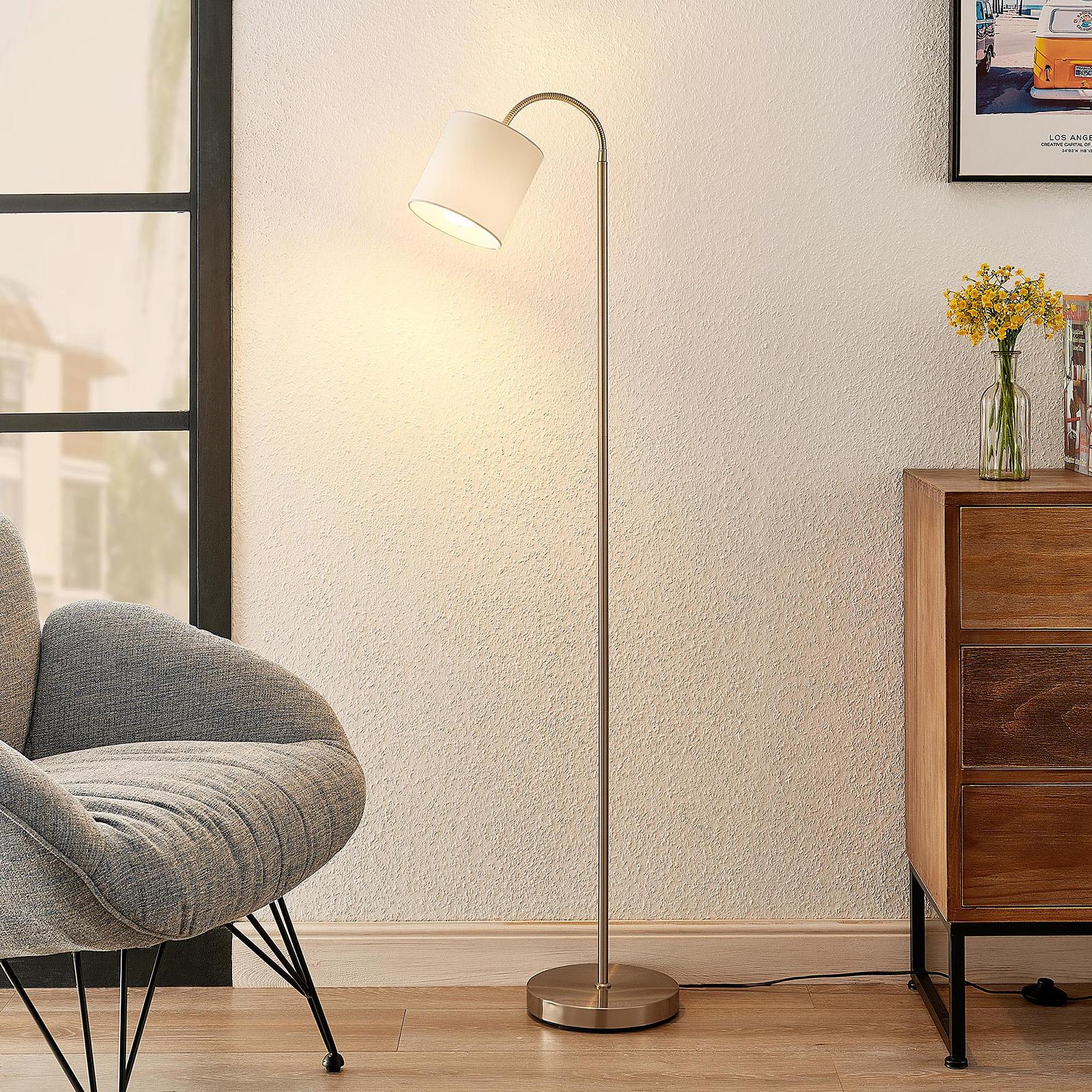 Lindby Manu gulvlampe, stoff, 1 lyskilde, hvit